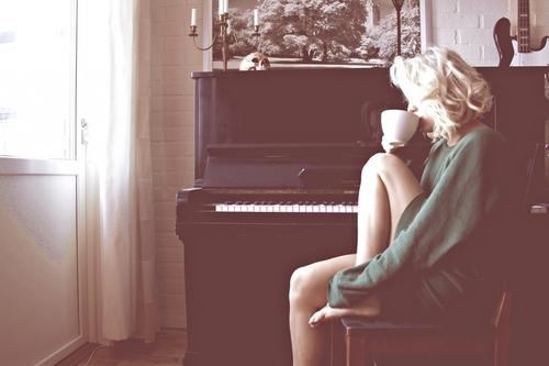 Girl piano coffee