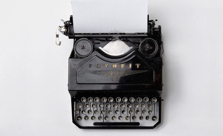 a typewriter representing an introvert writer